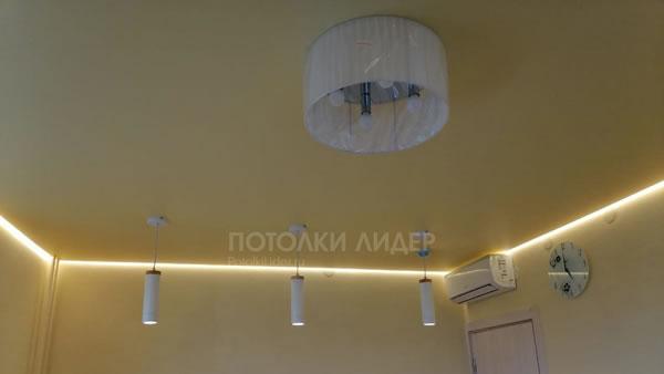 Подвесные светильники-споты и «парящая» подсветка