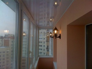 Натяжные потолки на балконе и лоджии - Фото 1