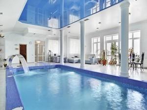 Натяжные потолки в бассейне - Фото 1